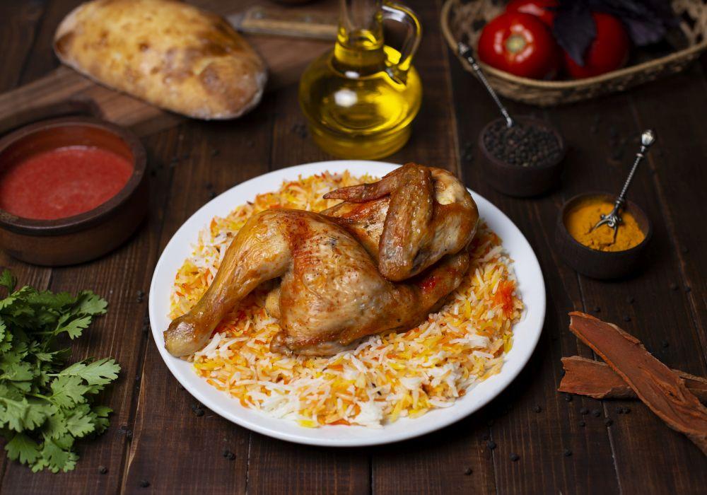 Okusni piščanec v sladko kisli omaki z zelenjavo in rižem – Recept