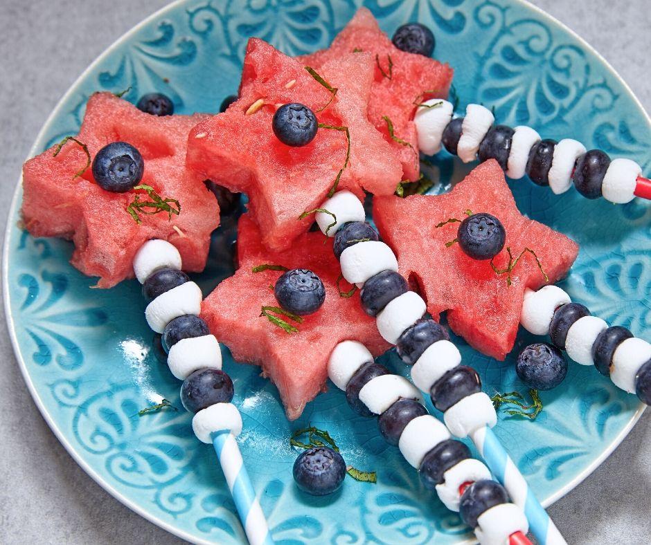 Recept za čudovite zvezdice iz lubenic in borovnic