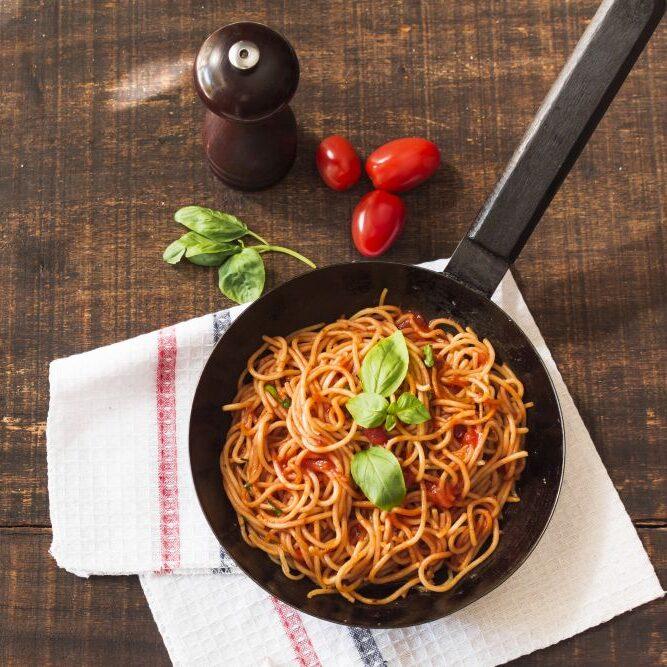 Recept za špagete z omako bolognese ter lečo