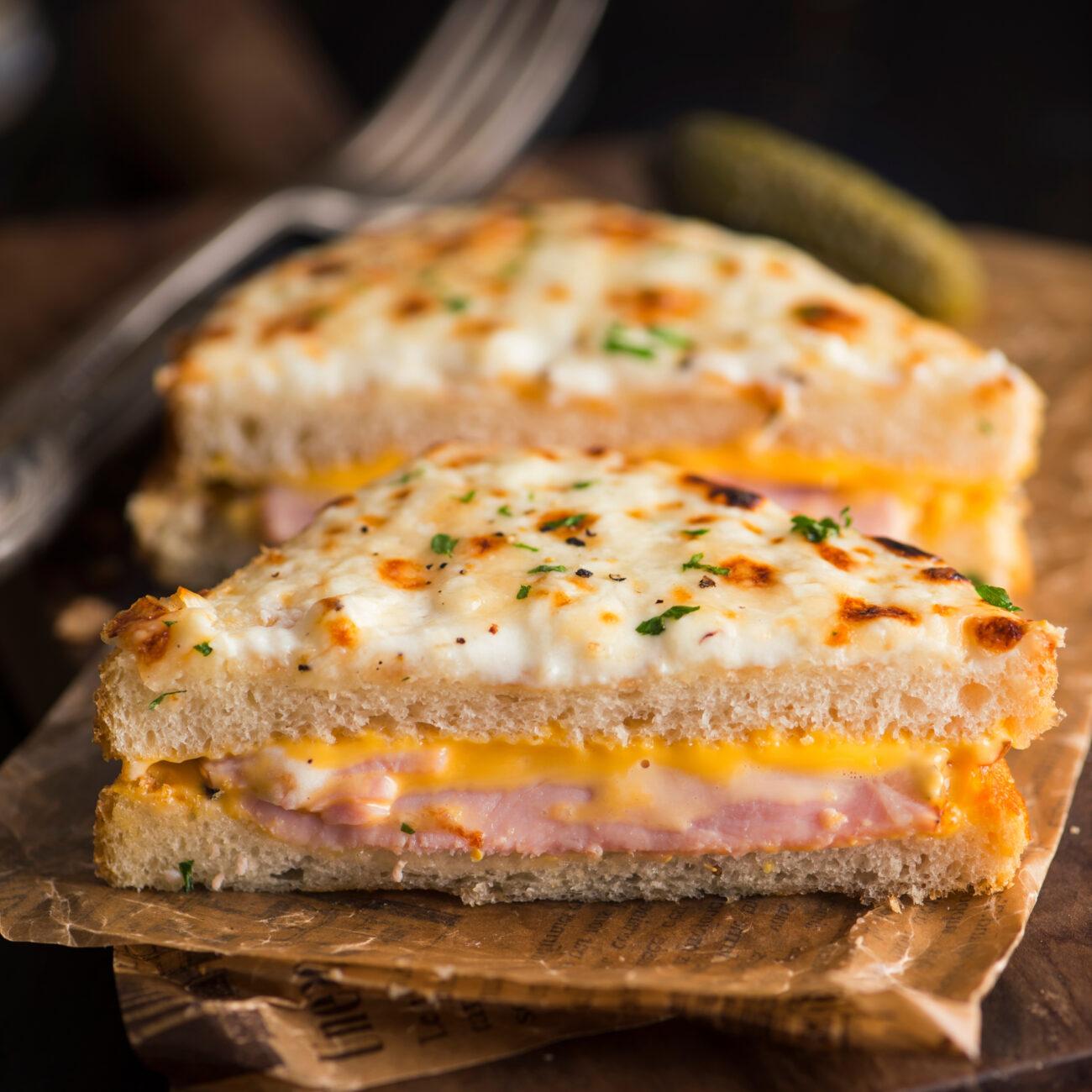 Topli sendvič croque monsieur