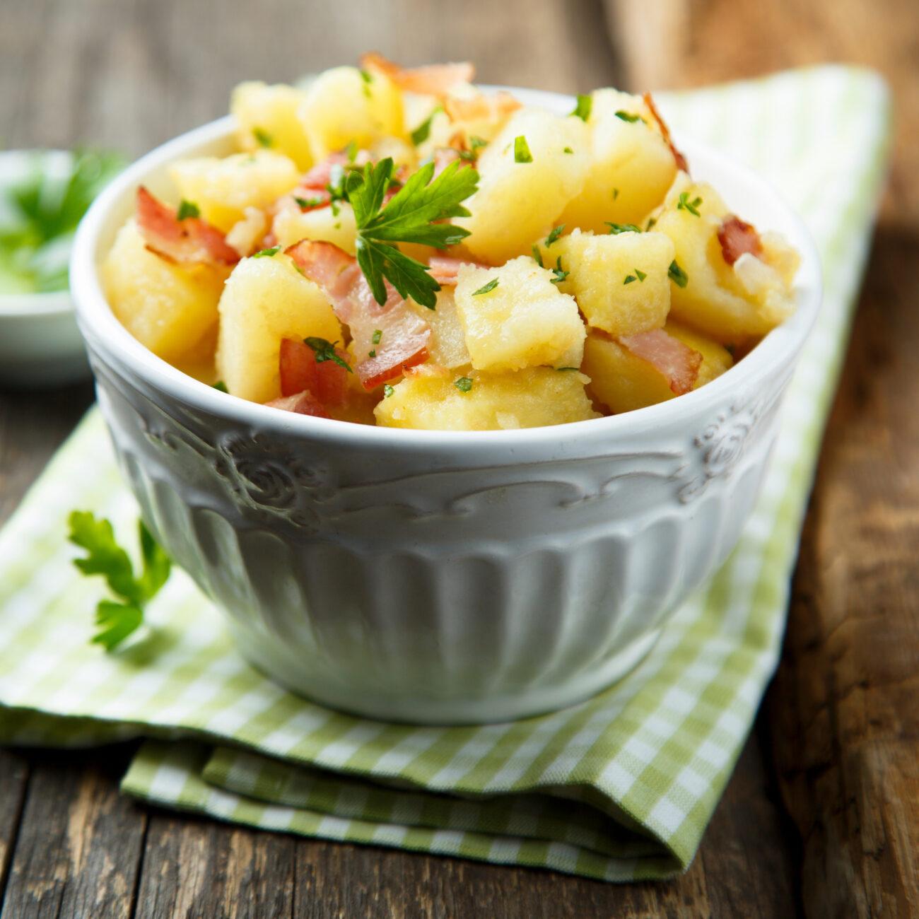 Mediteransko krompirjeva solata